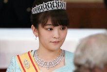 صورة ليس فيلماً رومنسياً، بل حقيقة… أميرة يابانية تتخلى عن لقبها من أجل الحب