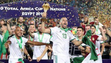 صورة رياض محرز في صدارة قائمة اللاعبين الجزائريين الأعلى أجراً